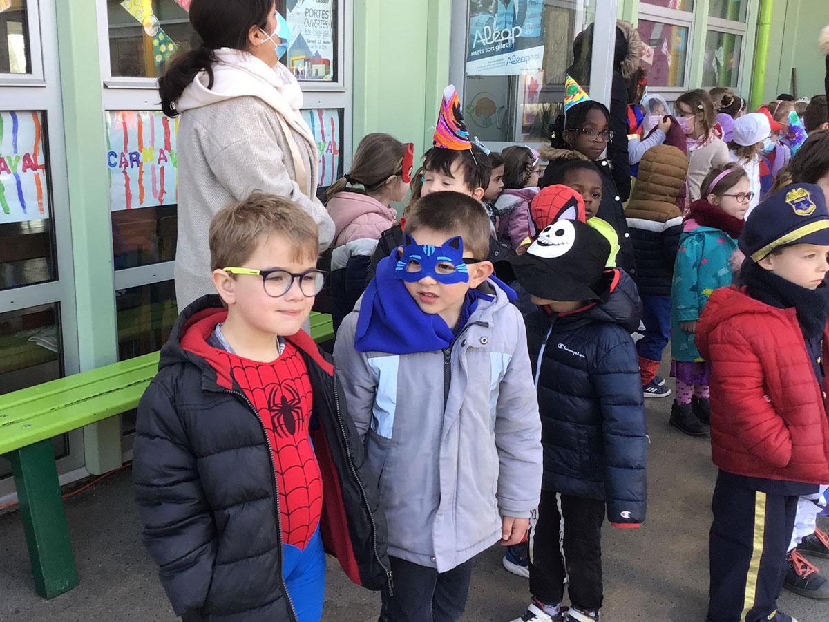 Costumes enfants école