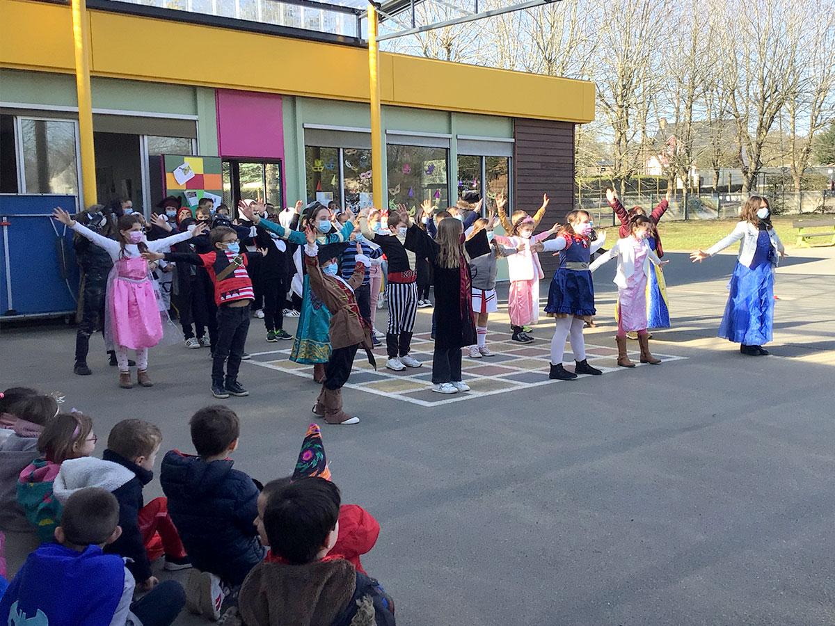 Danse Carnaval École